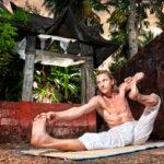 弓矢を引くポーズのやり方&効果|股関節の柔軟性を高める!
