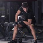 コンセントレーションカールのやり方&効果|上腕筋を中心に鍛える優秀なトレーニング!