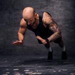 プッシュアップ・ジャンプのやり方&効果|瞬発的な動作で鍛える腕立て伏せ!