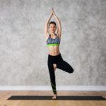 木のポーズのやり方&効果|足の強化とバランス感覚!