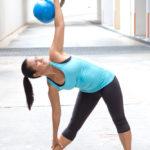 ダンベル・ウインドミルのやり方&効果|脊柱起立筋を主に鍛える!