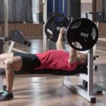 バーベル・ベンチプレスのやり方&効果|大胸筋トレーニングの王様!