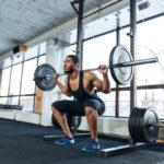 バーベル・スクワットのやり方&効果|大腿四頭筋・大殿筋に効果的な筋トレ!