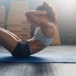 シットアップのやり方&効果|腹直筋を鍛える基礎の基礎!