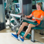 レッグカールのやり方&効果|太もも裏に集中して筋肥大を狙う!